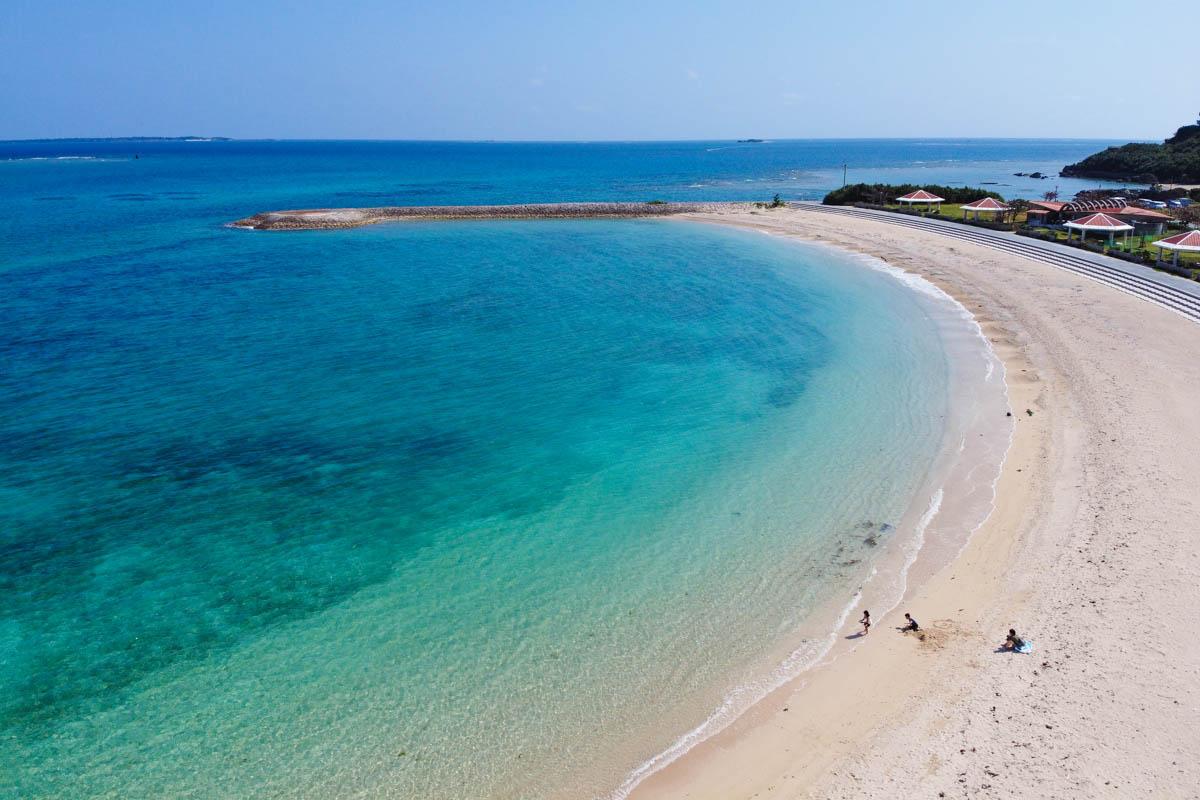 密を避けられる長い浜辺