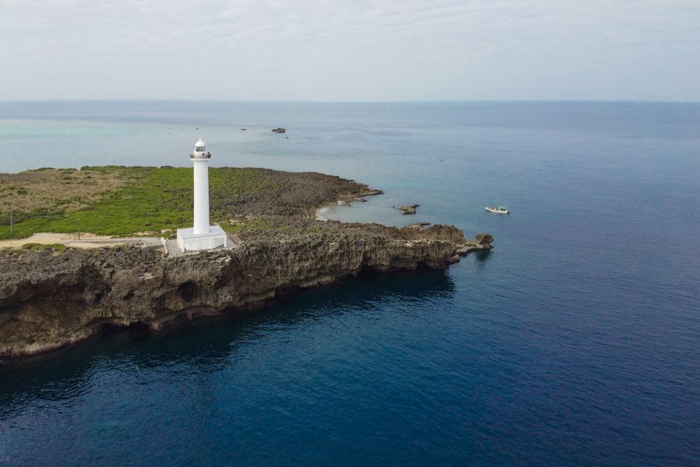 読谷村にある残波岬灯台