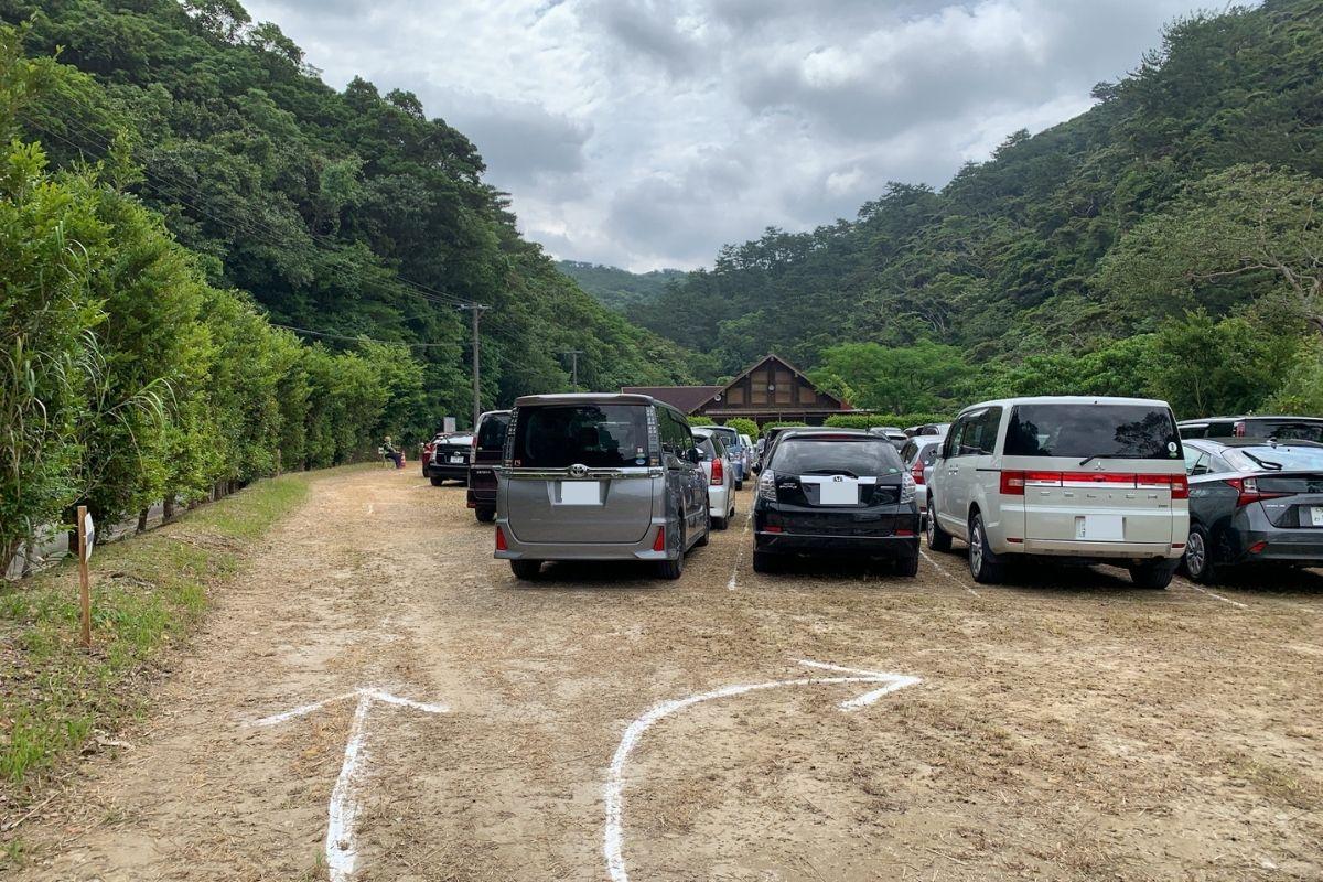 比地大滝の駐車場