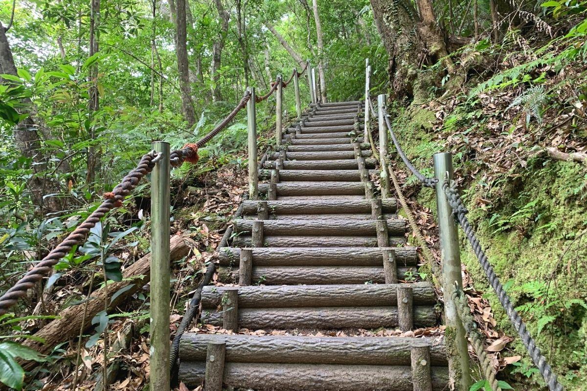 比地大滝の階段