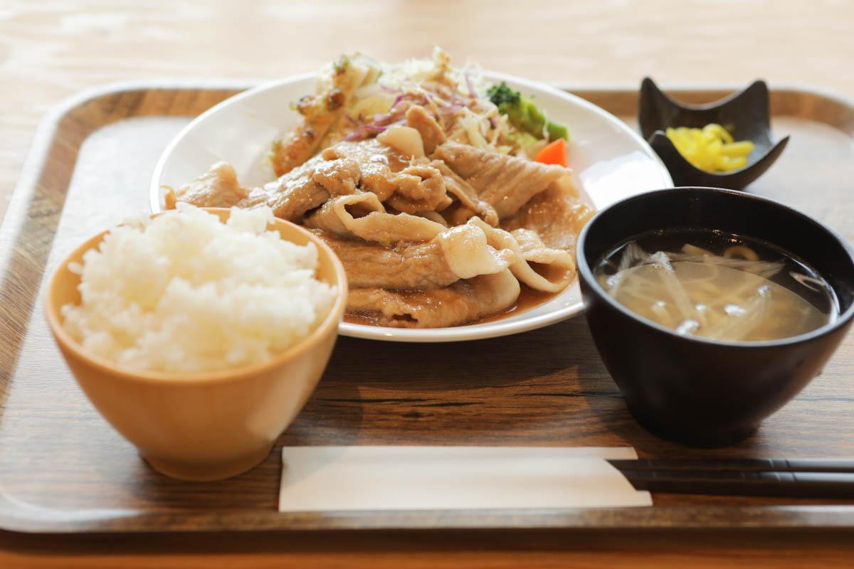 やんばるあぐー豚の生姜焼き定食