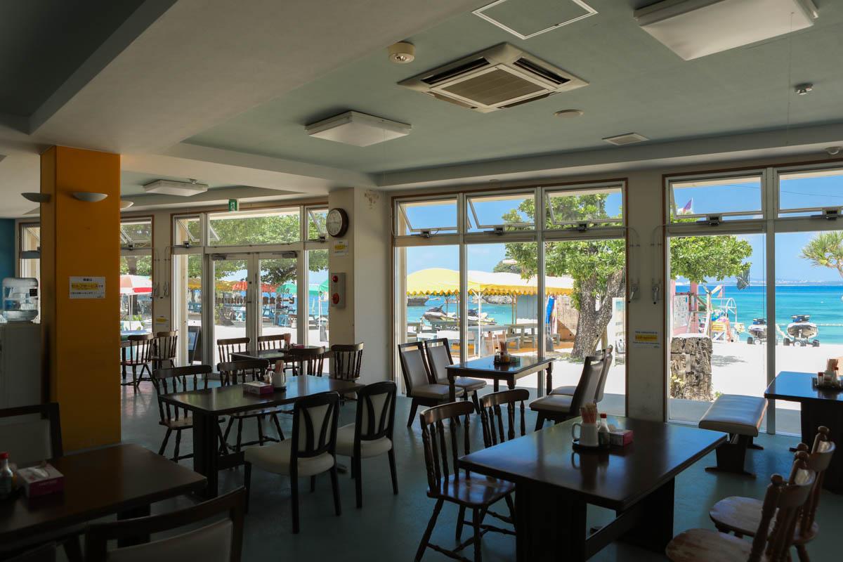 海が見える食堂